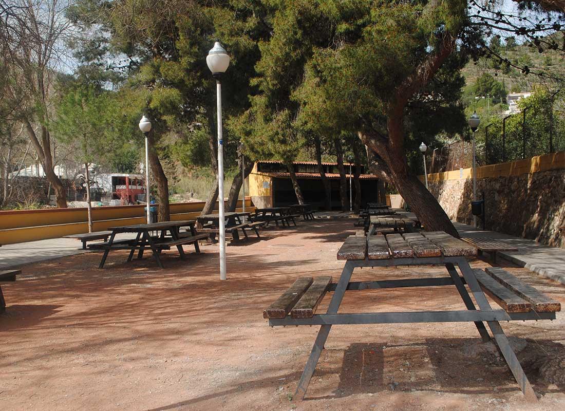 zona-rustic-picnic-paratge-sant-josep
