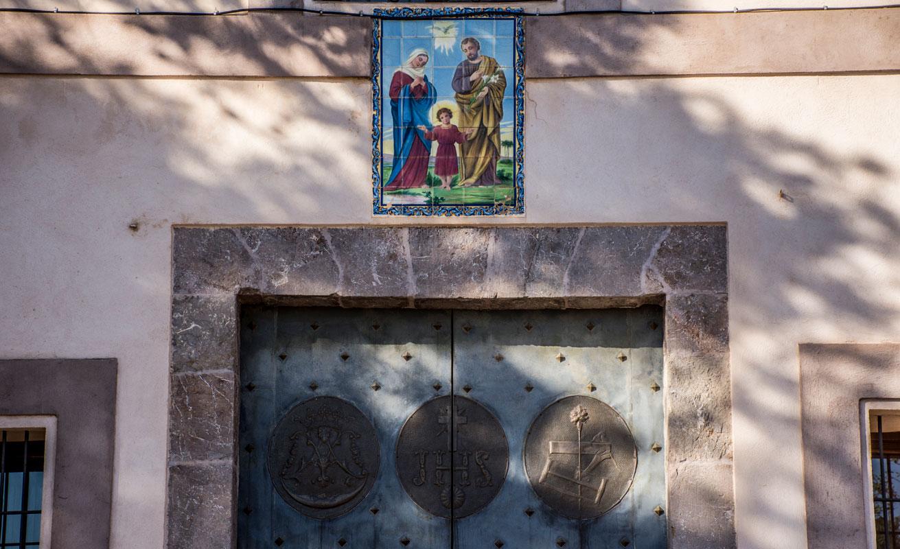 ermita-sagrada-familia-coves-de-sant-josep-2